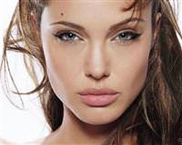 Angelina Jolie porno skandalı!
