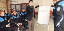 Güneydoğu'da polis Kürtçe öğreniyor