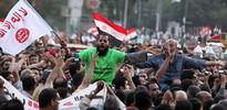 Mursi karşıtları İhvan'ı bastı
