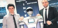 Restoranlara garson robot