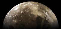 Jüpiter'in uydusu su buharı püskürtüyor