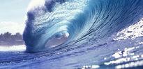Dev dalgalar altı genci yuttu