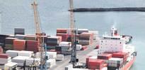 Dış ticaret açığı daralıyor