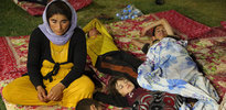 Yezidiler dağlardan kurtarılıyor