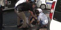 Taksim'de spatulalı saldırgan dehşeti