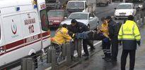 İki metrobüs çarpıştı:3 yaralı var
