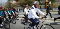 Cumhurbaşkanı Erdoğan kendine özel yapılmış bisikleti kullandı