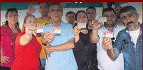 CHP üyesi işçiler CHP'li belediye tarafından kovuldu