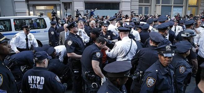 ABD'de polis 5 ayda 385 kişiyi öldürdü