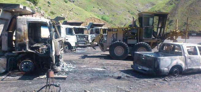 PKK baraj inşaatını basıp kamyonları yaktı