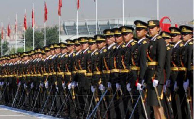 TSK'da 'Sivil komutan' devri başlıyor