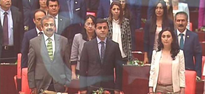 Demirtaş'tan İstiklal Marşı için skandal 'ırkçı dayatma' yorumu