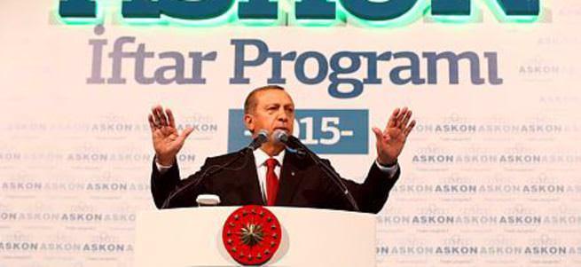 Cumhurbaşkanı Erdoğan: Türkiye'yi terörle aynı çizgide göstermek kimsenin haddi değil