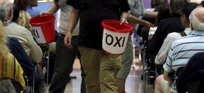 Yunanistan'a kova kova bağış topluyorlar