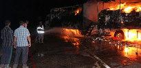 Ağrı'da PKK yol kesip araç yaktı