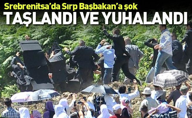 Sırbistan Başbakanı'na Srebrenitsa'da saldırıya uğradı