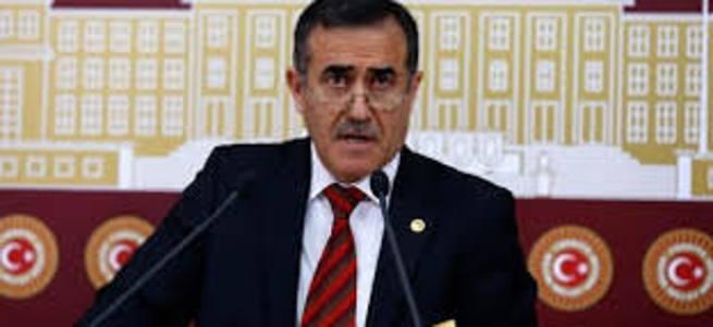 İstifa eden İhsan Özkes başka partiye geçecek mi?