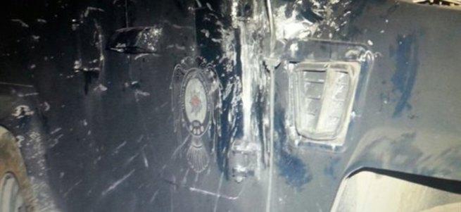 Polis aracına roketatarlı saldırı