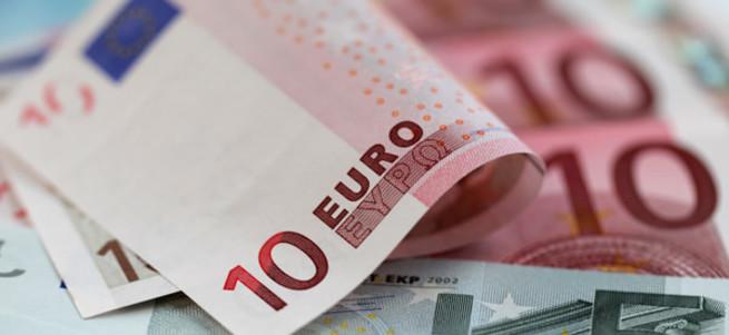 Finlandiyalılar Euro'dan çıkmak için halk oylaması istiyor