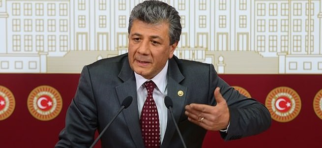 Can Dündar'a rağmen Zekeriya Öz'ü eleştirdi!