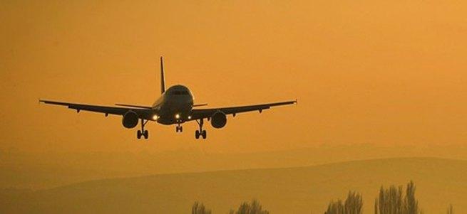 Yolcu uçağıyla irtibat kesildi
