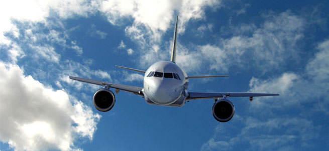 Kayıp Endonezya uçağının enkazı bulundu