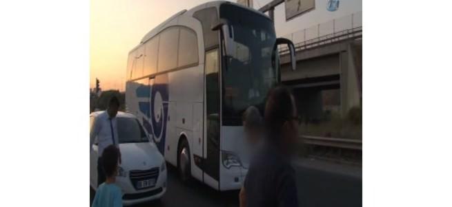 Şoför yol ortasında otobüsü bırakıp kaçtı