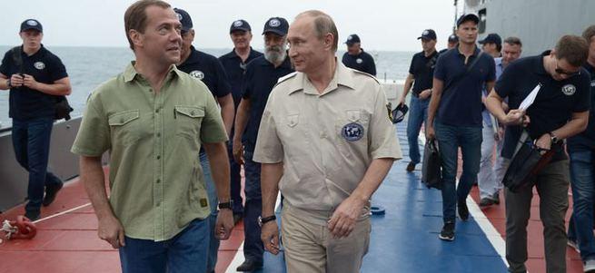 Putin Karadeniz'e daldı
