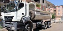 Belediyenin kamyonunda 100 kilo bomba yakalandı
