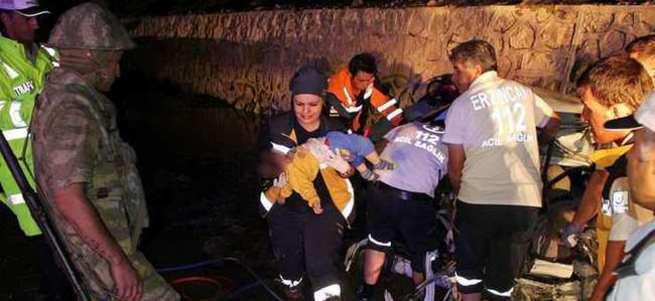 Katliam gibi kaza : 5 ölü 2 yaralı