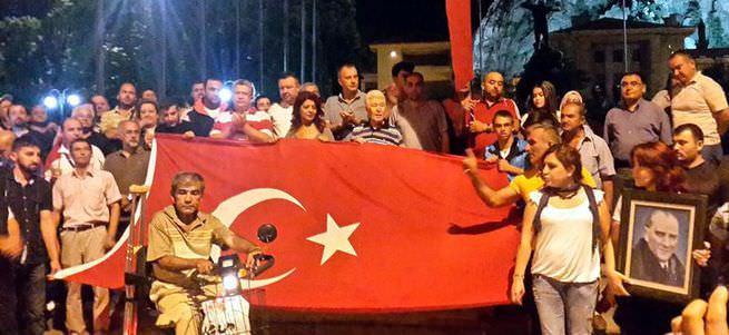 Yurt genelinde teröre tepki gösterileri düzenlendi