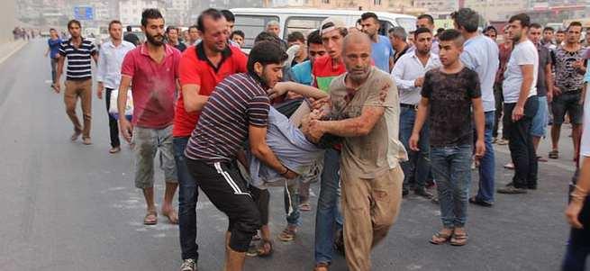 İşçileri taşıyan kamyonet takla attı: 6 ölü, 39 yaralı