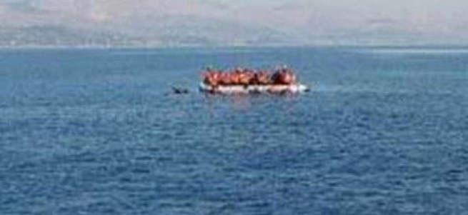 Mülteci botu battı 4 yaşındaki kızın bedeni karaya vurdu