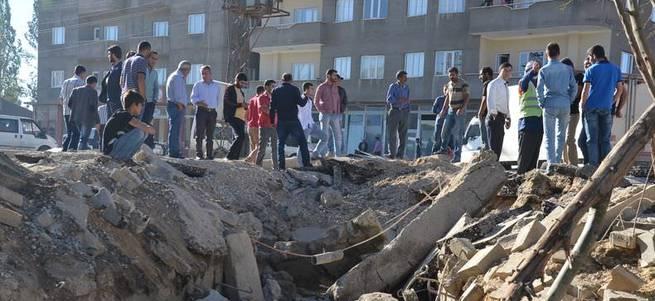 Hakkari Yüksekova'da bombalı saldırı