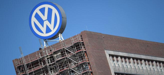 Volkswagen üç Ar-Ge yöneticisinin görevini askıya aldı