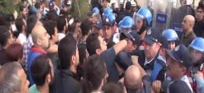 CHP'liler Büyükçekmece Belediyesi'ni protesto etti