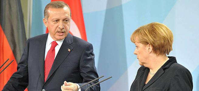 Merkel: Türkiye'nin AB üyeliğine her zaman karşıyım