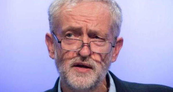 İngiltere'de ana muhalefet liderinden kraliyete tavır