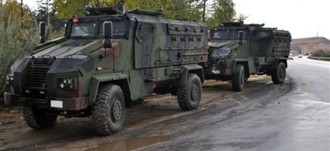 Tunceli'de askeri araca bombalı saldırı: 2 şehit