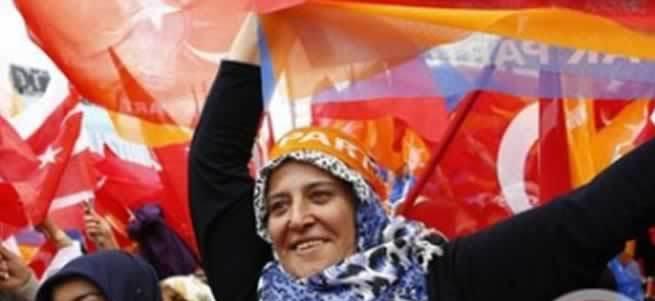 AK Parti kazandı Filistin coştu!