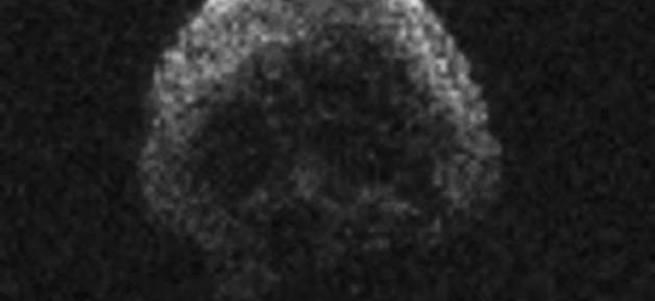 'Kurukafa' görünümlü asteroid dünyayı teğet geçti