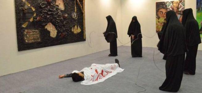 TÜYAP'ta çarşaf üzerinden İslam'a hakaret