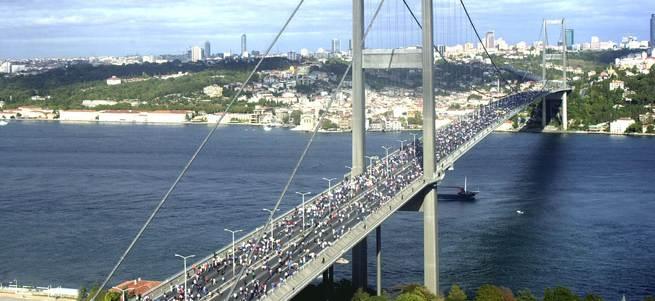 Boğaziçi köprüsü ve bazı yollar trafiğe kapatıldı!