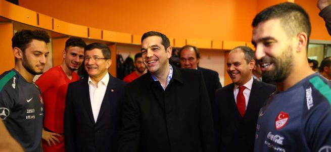 Çipras milli futbolcularla tanıştı