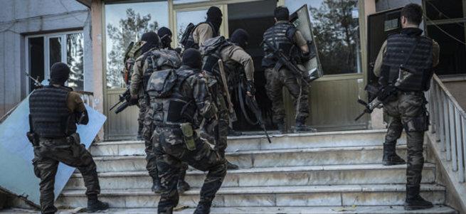 Nusaybin'de teröristlere yönelik operasyon devam ediyor