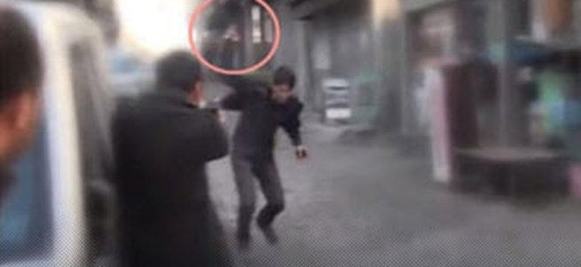 Polis: Üzerime silah fırlattı, dikkatim dağıldı
