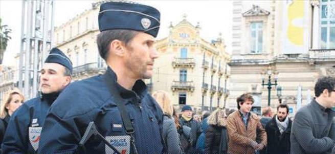 Fransa'ya sınırsız olağanüstü hal geliyor