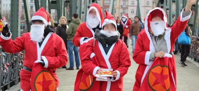 Almanya'da Noel baba kılığında PKK propagandası