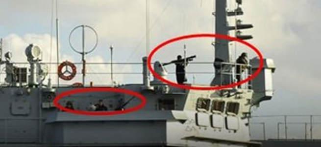 O Rus savaş gemisi yeniden geçti