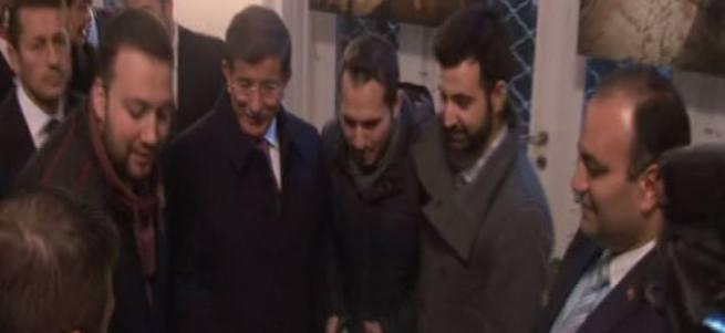 Davutoğlu'na Bulgaristan'da sevgi gösterisi